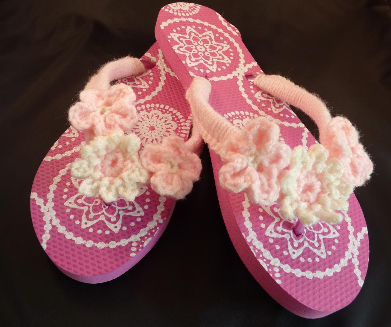 Crochet Flip Flops : Crochet-Embellished Flip Flops Bake with Jill