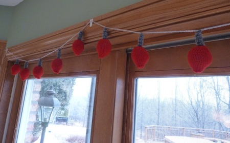 Crochet Christmas Bulb Garland